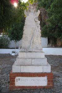 30 Monument Nomikiana Perros IMG_2293